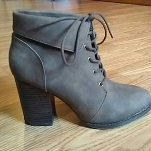 Forever 21 lace up heel booties size 8.5